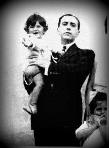 28. VH y su hijo Vicente.
