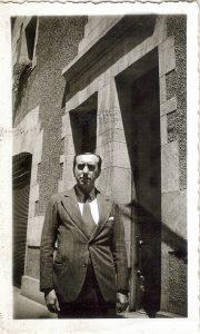 50. VH en su casa de calle Cienfuegos, 1934