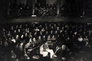 54. VH en el II Congreso de escritores antifascistas, 1937