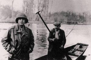 59. VH como corresponsal durante la Segunda Guerra Mundial.