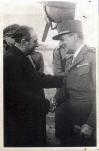 63. VH con el general francés Lattre
