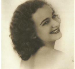 Stella Sierra joven