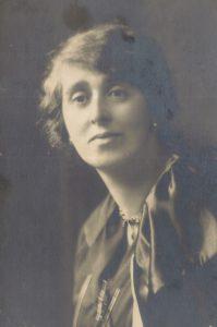 3. Mª Luisa Fernández, madre del poeta.